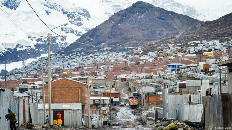 Potrzeby człowieka - powietrze - Zdjęcie przedstawiające miejscowość La Rinconada w Peru